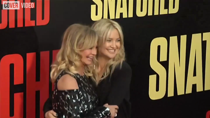 Goldie Hawn and Kate Hudson take tourist trip of film studios