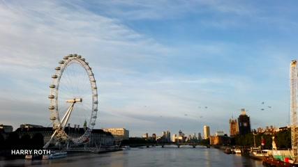 'Beautiful morning sight': hot air balloons glide through London skies