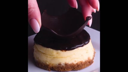 10 Desserts That Deserve to Play Dress Up!! So Yummy